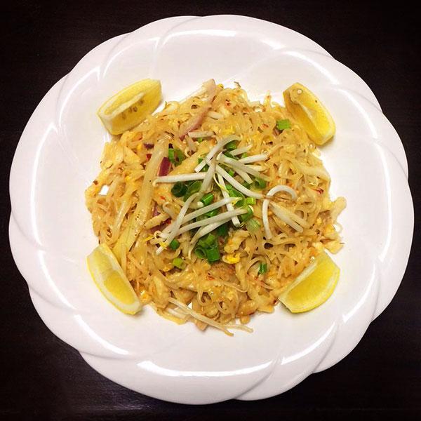 Chicken Pad Tai - Asia Grill